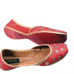 A Fresh Look at footwear: Handmade Jaipuri Juttis